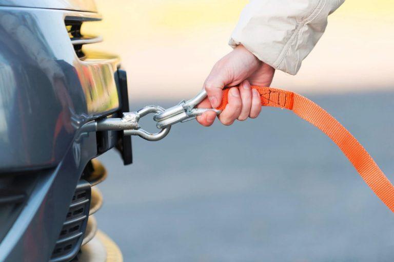 Bezpieczne holowanie samochodu