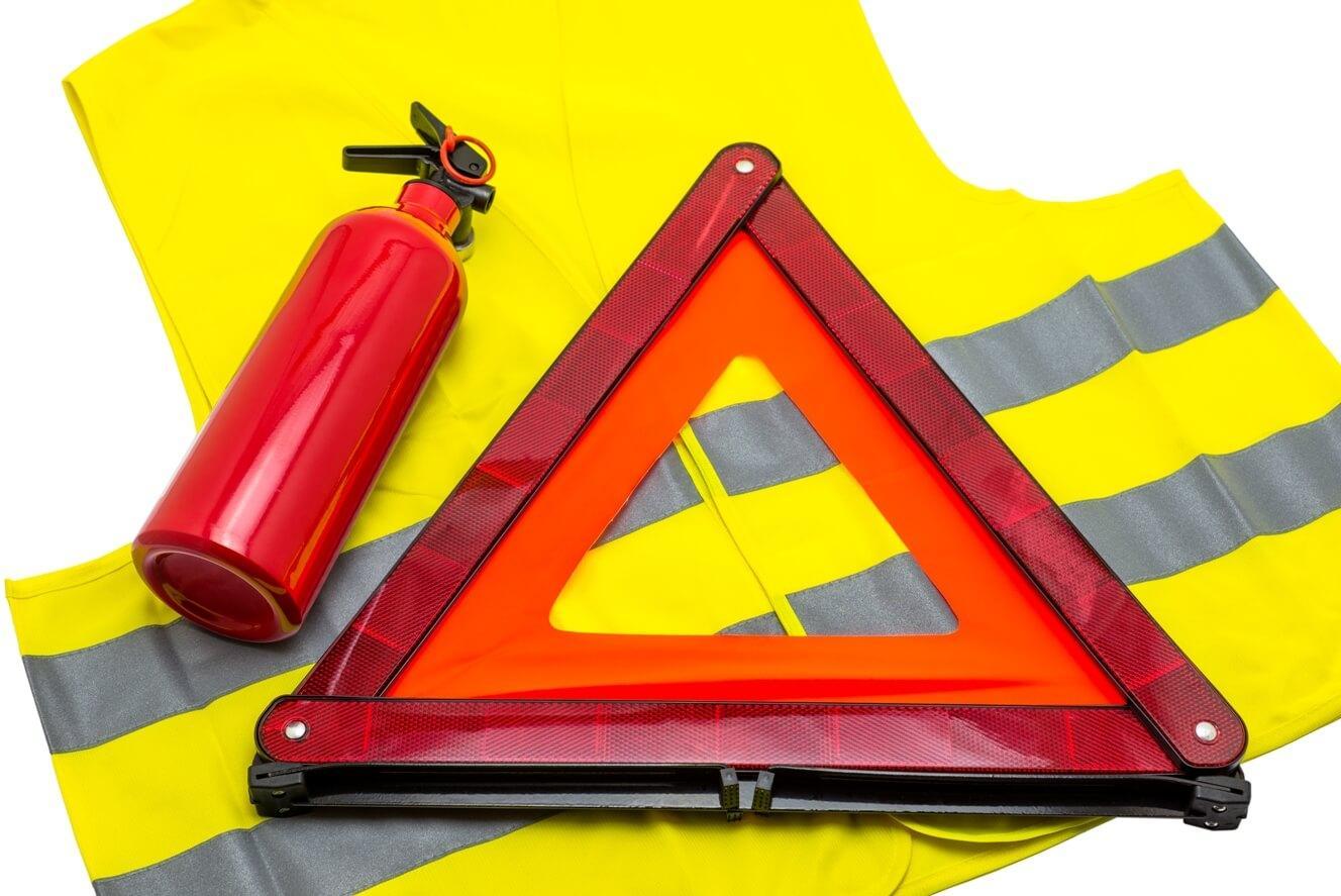 wyposażenie samochodu pomoc drogowa